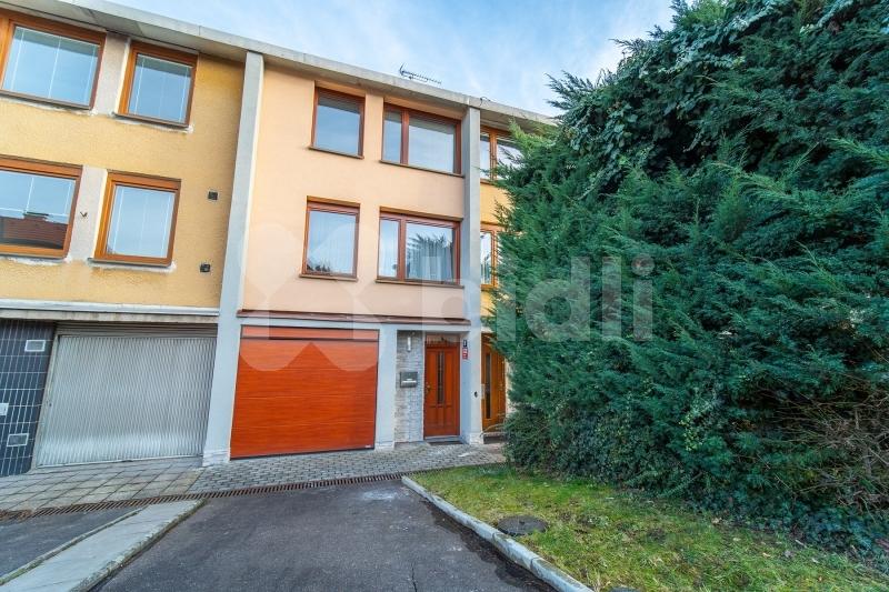 Prodej RD 160 m2, zahrada, garáž