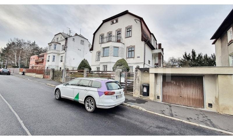 Prodej rodinného domu 300m2, pozemek 694m2