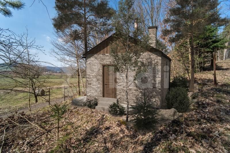 Prodej chata 22 m2, pozemek 122 m2, Dolany