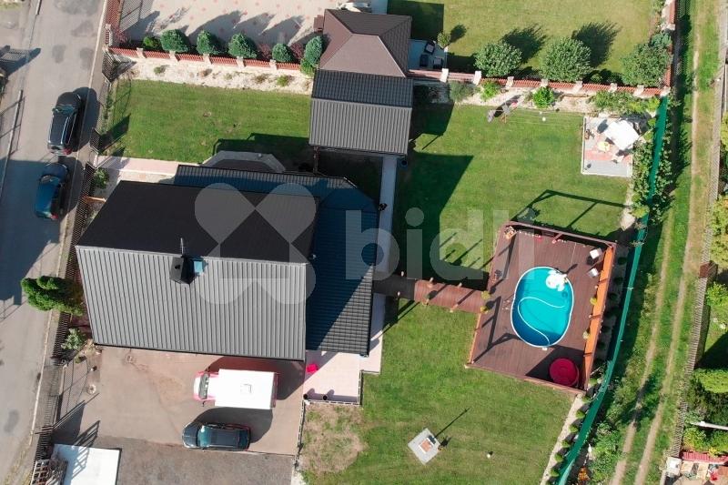 Exkluzivní prodej rodinný dům 260 m2, pozemek 1104