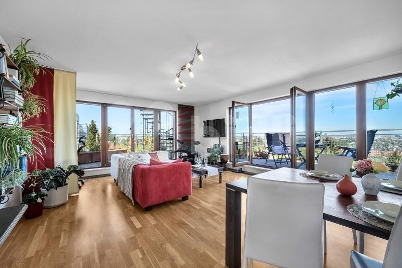 Prodej bytu 3+kk, 91m2 s terasami a střešní