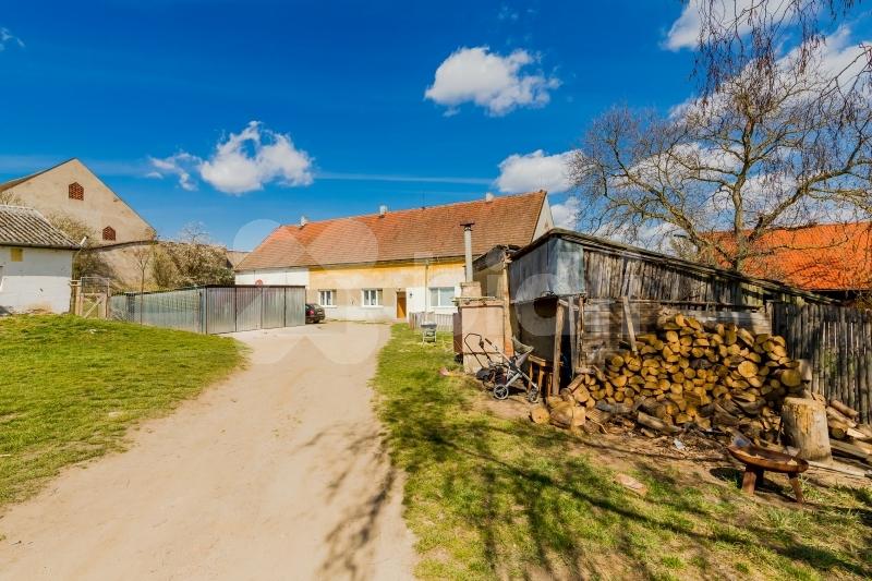 Prodej, rodinný dům se třemi bytovými jednotkami, 206 m2, Planá - Svahy