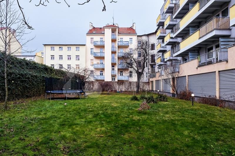 NOVOSTAVBA 1+kk 39,1 m2 + balkón 5,5 m2 + kryté parkovací stání - Praha Libeň