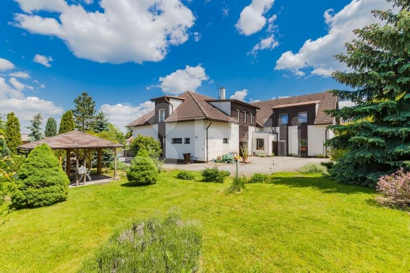Prodej rodinného domu 503m2, pozemek 668m2