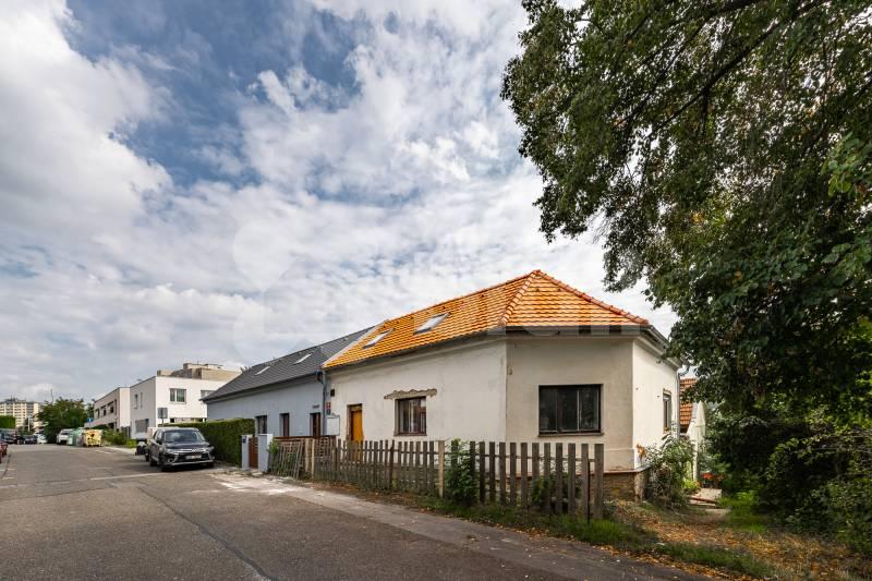 Prodej rodinného domu v klidné části Hostivaře 159